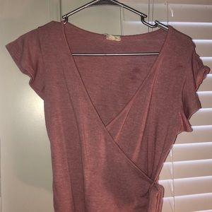 Reddish pink cropped shirt